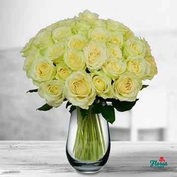 Buchet de 45 trandafiri albi