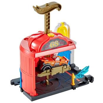 Pista de masini Hot Wheels by Mattel City Downtown Fire Station Spinout cu masinuta