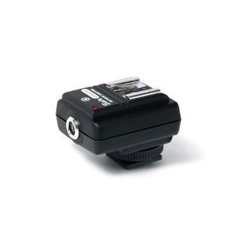 Adaptor universal blitz SM-512 cu protectie la voltaj