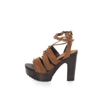 Sandale maro cu aspect de piele intoarsa si platforma
