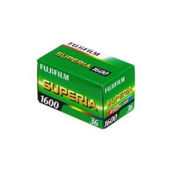Fujifilm Fujicolor Superia 1600 - film negativ color ingust (ISO 1600, 135-36)