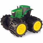 Tractoras cu roti gigantice T46711